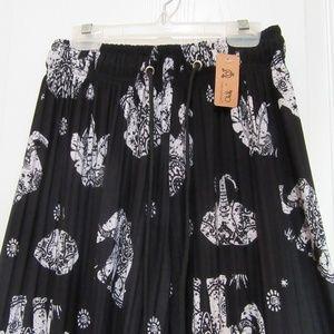 Pants - Black Pleat Palazzo pants with Elephants one size